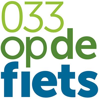 033 OP DE FIETS-vierkant